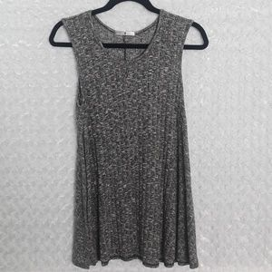Blu Planet sleeveless knit top, gray and white, M